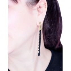 Black Chain Earrings Model