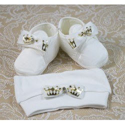 Beyaz Fionklu Taç Desenli Başlıklı Erkek Bebek Patiği