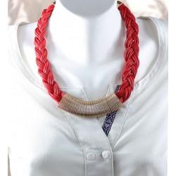 Deri Kolye Kırmızı Saç Örgülü Model