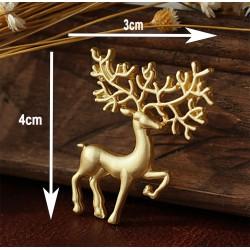 Deer Modeled Collar Needle