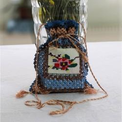 Tasarım Mavi Renkli Antika Kanaviçeli Kese Modeli Küçük Çanta