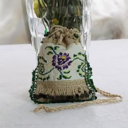 Tasarım Yeşil Boncuklu Antika Kanaviçeli Kese Modeli Küçük Çanta