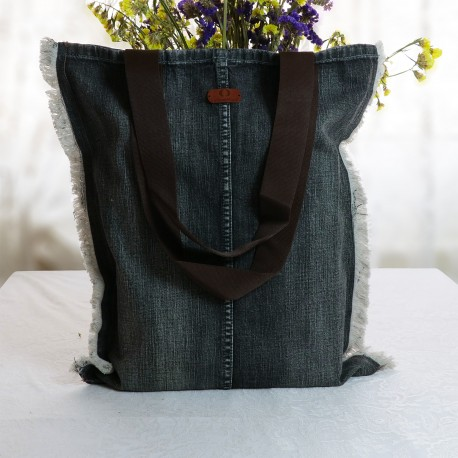 Design Tasseled Tumbled Jeans Fabric Shoulder Bag