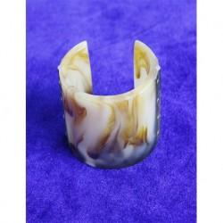 Mango Bone Bracelet Model